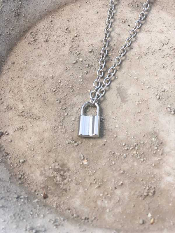 COLLAR RATINO PLATA